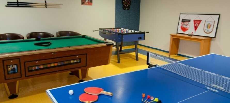 Det er flere gratis aktiviteter på hotellet som dere kan benytte. Bl.a. velvære, trening, bordtennis, biljard og dart.