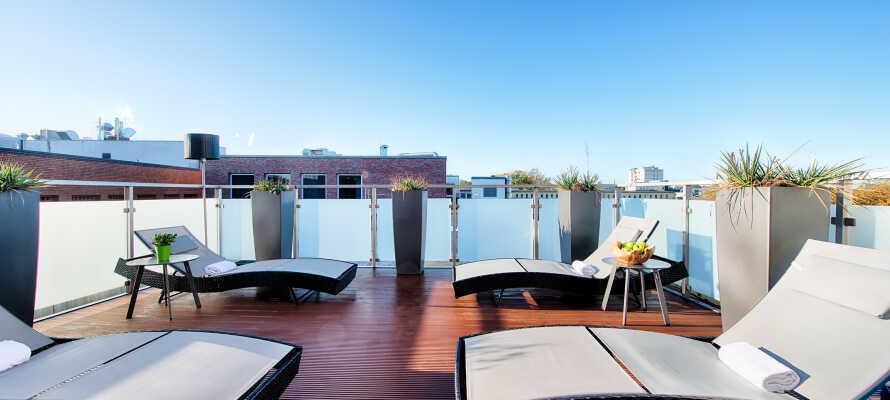 Koppla av på hotellets spa-avdelning där ni hittar både bastu, ångbad och en härlig takterrass