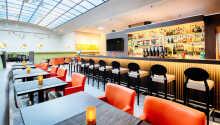 Den flotte restaurant, Elements, serverer internationale retter i hyggelige og moderne omgivelser.