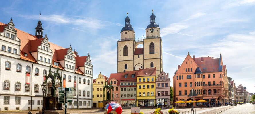 Det var i historiske Wittenberg at teologen Martin Luther spikret opp sine 95 teser på en enkel kirkedør.