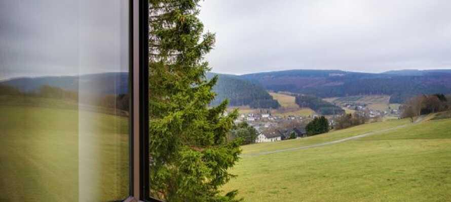 Flera av hotellrummen bjuder dessutom på en fin utsikt över landskapet.