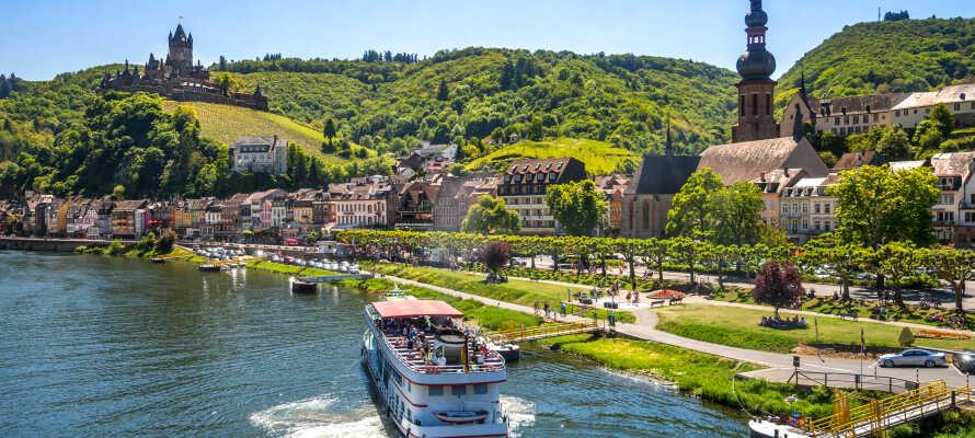 Alken ligger mellan städerna Cochem och Koblenz som båda är värda ett besök