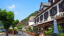 Moselhotel Burg-Cafe Alken hälsar er välkomna till en trevlig semester i vackra omgivningar vid floden Mosel