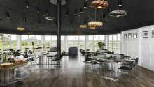 Den moderne restaurant byder på udsøgte retter i en hyggelig atmosfære