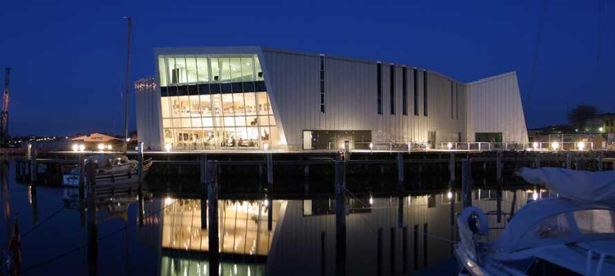 KulturØen i Middelfart er en moderne arkitektonisk bygning, der pryder den ny havnefront i Middelfart.