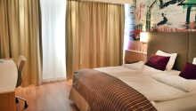 Alle Zimmer verfügen über ein eigenes Badezimmer, bequeme Betten, TV und Telefon.