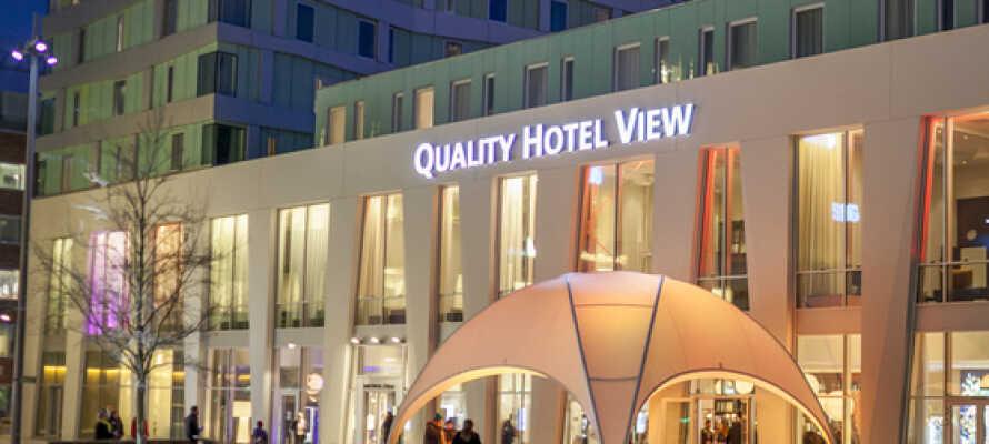 På Quality Hotel The View bor ni med Emporia, Malmö Arena och Malmömässan som närmsta grannar.