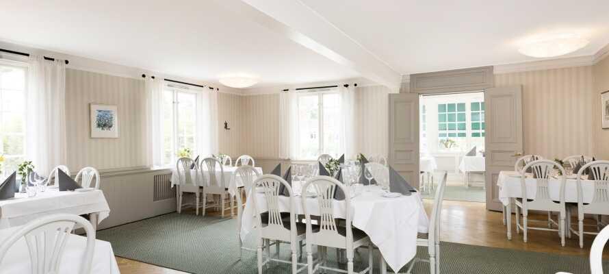 Hotellpaketet inkluderar frukost, middag och gratis te/kaffe.