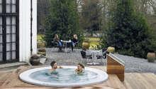 Det 4-stjernede hotellet byr bl.a. på velvære med badstue og boblebad