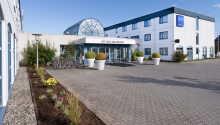 Hotellets flotte lobby- og receptionsområde hvor I bydes velkommen