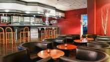 Hotellet har två restauranger och en bar, var du kan avnjuta mysiga kvällar.