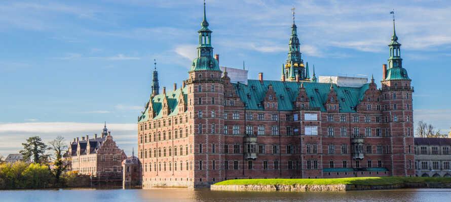 Tag på en herlig udflugt med shopping og sightseeing i København og nyd f.eks. stemningen i Nyhavn.