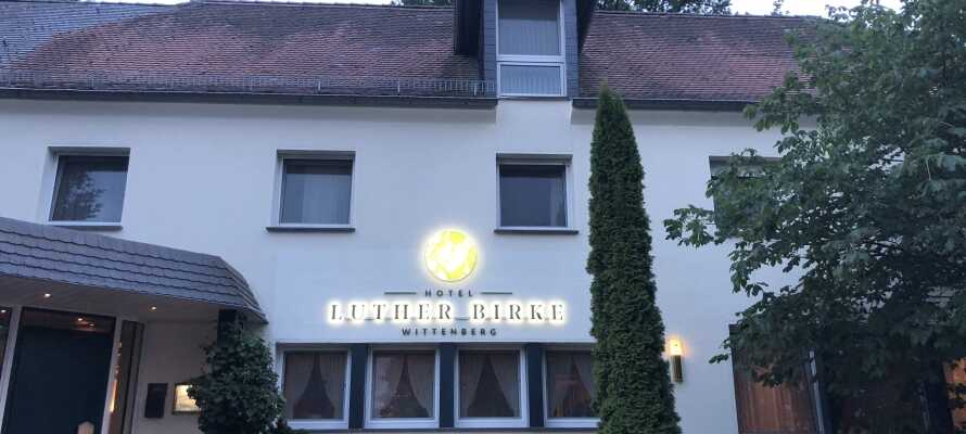 Hotel Luther Birke byder velkommen til en hyggelig miniferie i naturskønne omgivelser nær 'lutherbyen' Wittenbergs smukke centrum.