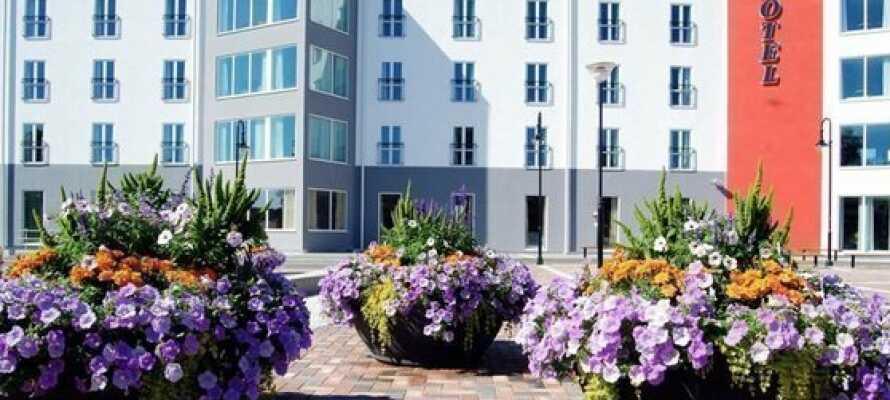 Hotell Årjäng är ett modernt hotell, byggt i 2007, med en nordisk och stilren design.