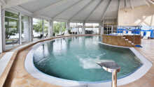Hotellets wellnessafdeling med pool, sauna og dampbad