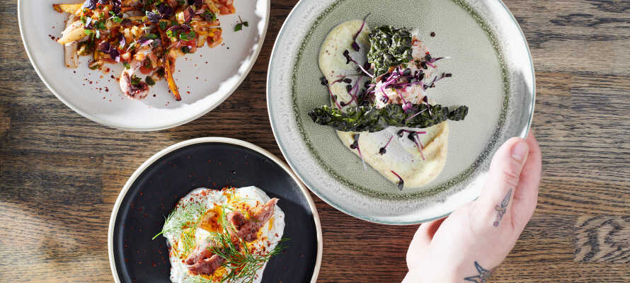 Hotellets brasserie, 'Kontrast', byder på udsøgt mad i et herligt 'zero waste'-koncept.