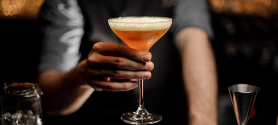 I hotellets bar venter jeres velkomstdrink - og et helt unikt drinkskort!