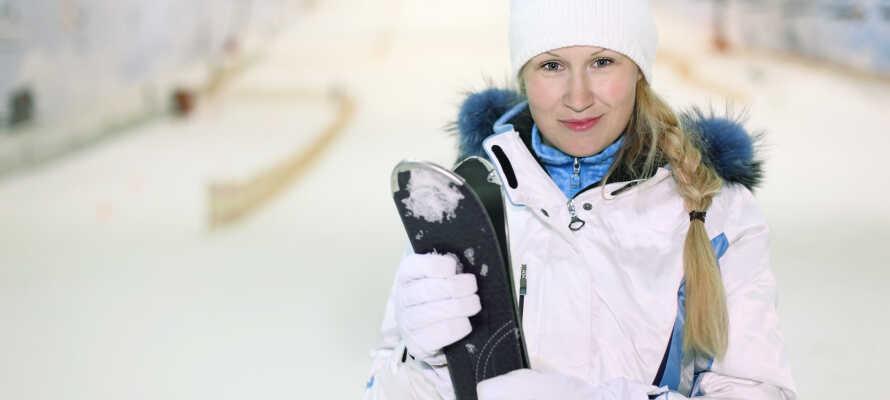 I kan stå på ski i den indendørs skihal i Oberhof hele året rundt.