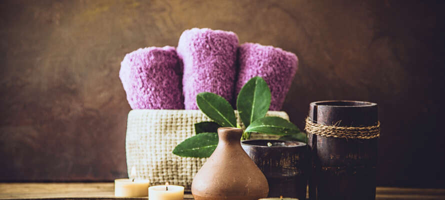 I hotellets spa, som er indrettet på øverste etage, kan I nyde wellness og en herlig udsigt over Neumünsters tage.