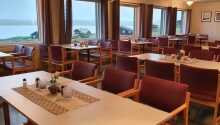 Hotellet har en egen restaurang där de varje morgon dukar fram en härlig frukostbuffé