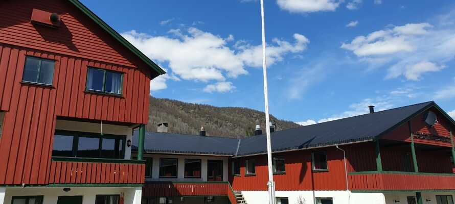 Hotellet drives af to familier som deler ønsket om, at skabe en behagelig ferieoplevelse for gæster fra nær og fjern.
