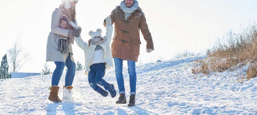 Tag hele familien med på skiferie på Vats Fjellstue, og bo lige ved siden af Skarslia Skisenter.