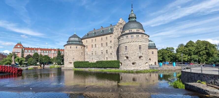 Opplev Örebro slott med enten en guidet tur eller en spøkelsesvandring.