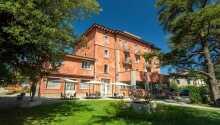 Das Grand Hotel Impero heißt Sie in schöner, ruhiger Umgebung in Zentrumsnähe von Castel del Piano in der Toskana willkommen.