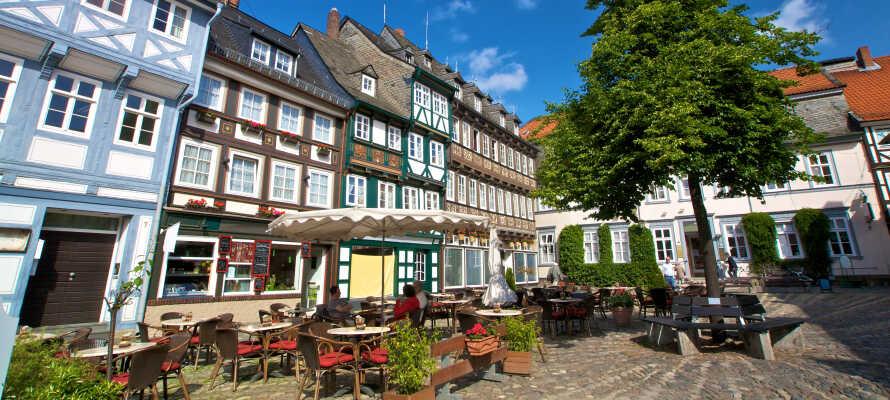 Besök Goslar som är huvudstad i Harz-regionen och har en charmig atmosfär med många vackra byggnader