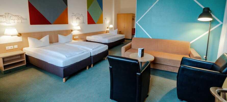 Hotellet tilbyder bl.a. rummelige familieværelser med plads til op til fem personer.