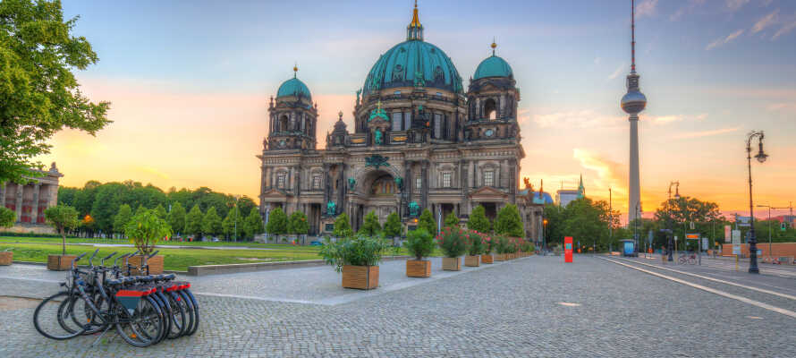Mange af Berlins herlige seværdigheder ligger indenfor en overskuelig gå- eller cykeltur.