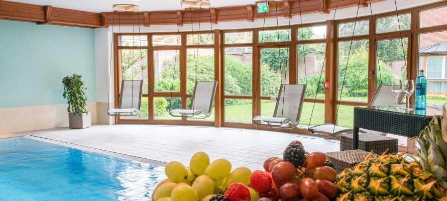 Hotellets lekre spa- og badeverden ble pusset opp i 2019, og byr på alt fra svømmebasseng til badstue og trening.