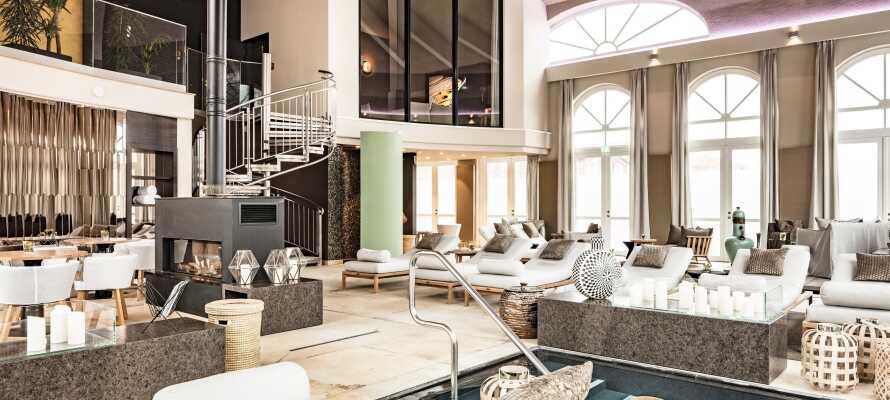 Nyd det store slotsspa på 3.000 kvadratmeter.