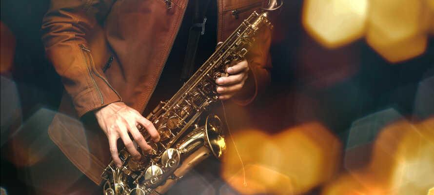 Besök Center for Dansk Jazzhistorie som har en av Europas största jazzsamlingar.