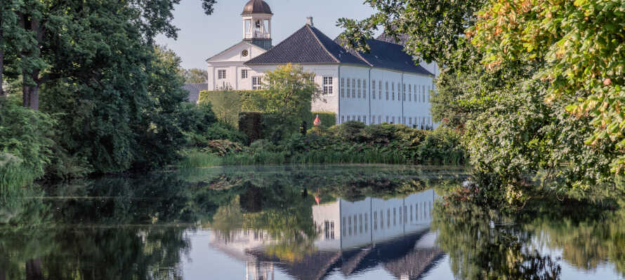 Besuchen Sie auch die Schlösser in Gråsten, Dänemark und in Glücksburg bei Flensburg oder in Schleswig.