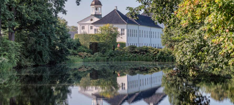 Beliggenheten gir dere gode muligheter til å oppleve både Nord-Tyskland og Sør-Danmark, f.eks. med et besøk ved Gråsten Slott.