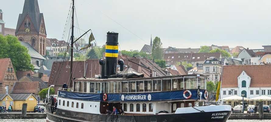I Flensburg kan ni åka ut på en härlig sightseeingtur med båt.