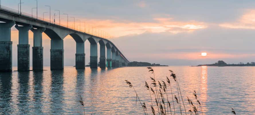 Hotellet är vackert beläget på Ängö vid vattnet med närhet till Kalmarsund och Ölandsbron.