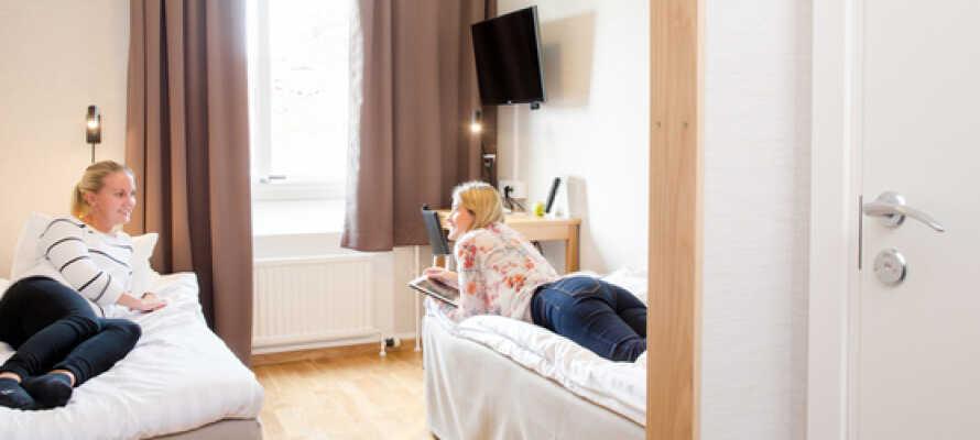 Bo bekvämt i hotellets fina rum och njut av er välkomstpåse,