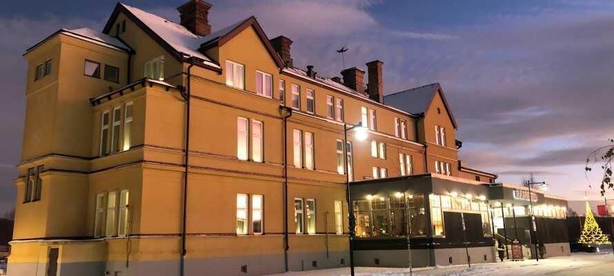 Das Orsa Järnvägshotell ist ein echtes schwedisches Eisenbahnhotel und bietet eine elegante, komfortable Ausstattung für Ihren Urlaub in Schweden.