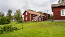 Die Villa Gladtjärn bietet eine malerische Lage am Strand, am See 'Barken' im Süden von Dalarna.