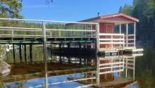 Hotellet ligger ved innsjøen 'Barken', der det er både badeplass og badstue