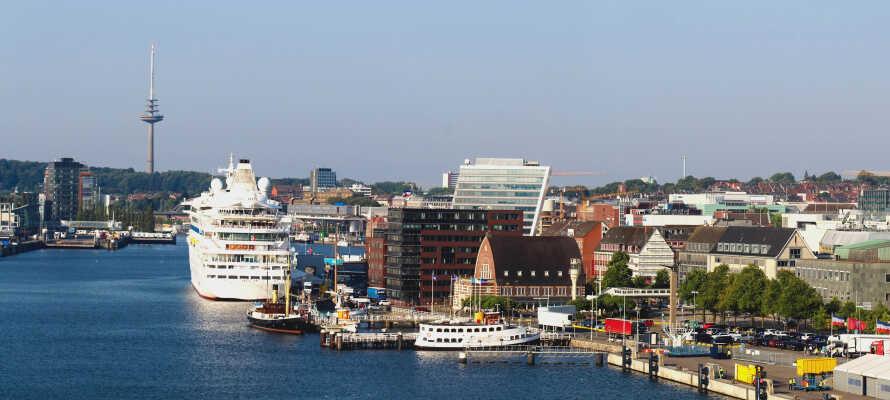 Hotellet ligger kun et stenkast fra den spændende havn.