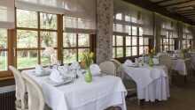 Den hyggelige restaurant består af to spisestuer, som tilsammen skaber den helt perfekte alsaciske atmosfære.