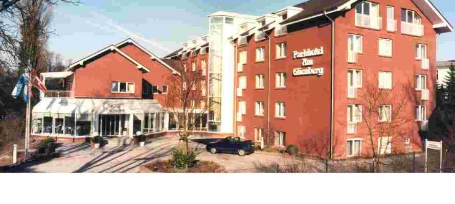 Das 4-Sterne-Parkhotel am Glienberg liegt im Badeort Zinnowitz an der Ostsee, an der Pommernbucht.