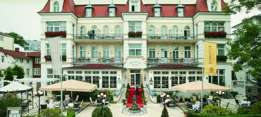 Njut av en romantisk badsemester i Heringsdorf, på det 4-stjärniga slottshotellet SEETEL Hotel Esplanade.