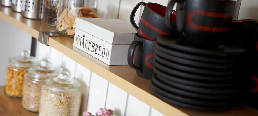 Hver morgen får I en ideel start på dagen, med hotellets lækre morgenbuffet. som serveres i den nyligt renoverede morgenmadsrestaurant.