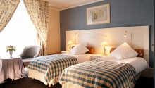 Der er både enkeltværelser og dobbeltværelser til rådighed.