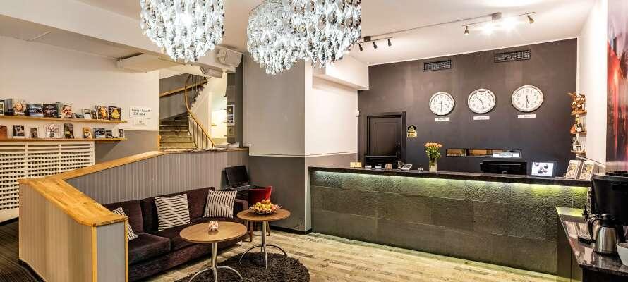 Clarion Collection Hotel Saga har en sentral beliggenhet, rett ved det store torget i Linköping.