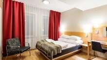 Exempel på ett av hotellets standard-dubbelrum.